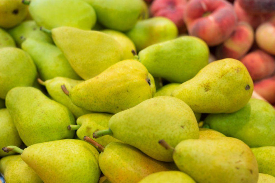 Del campo al supermercado, la pera y el zapallito aumentaron 9 veces