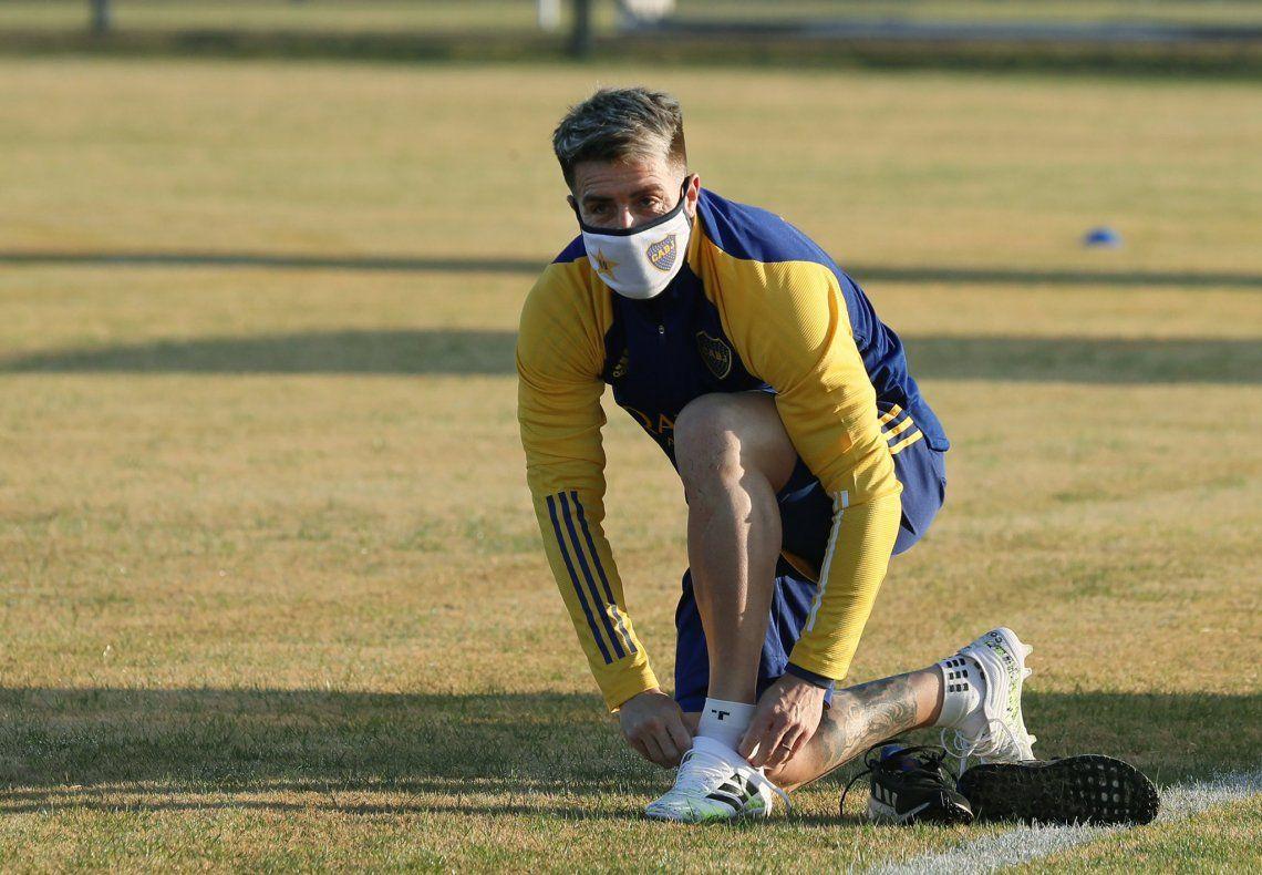 Boca volvió a los entrenamientos con barbijos, carpas sanitarias y Russo a la distancia