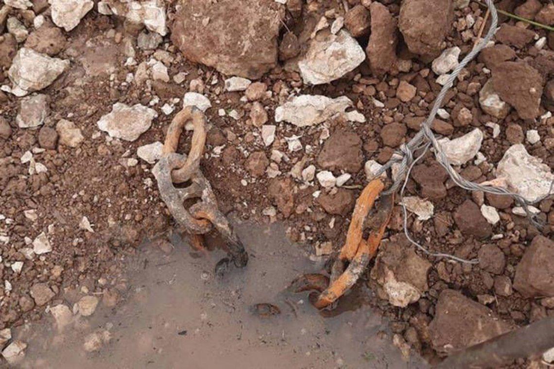 Un pescador halló restos de una cadena que habría sido utilizada en la Vuelta de Obligado