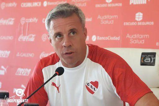 Independiente: Lucas Pusineri: solo en la madrugada
