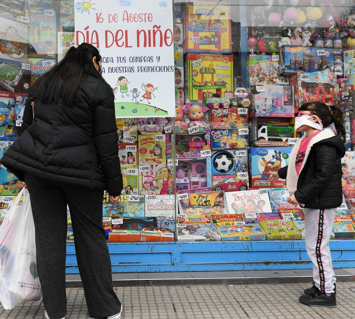 Optimismo en jugueterías por las ventas por el Día del Niño.