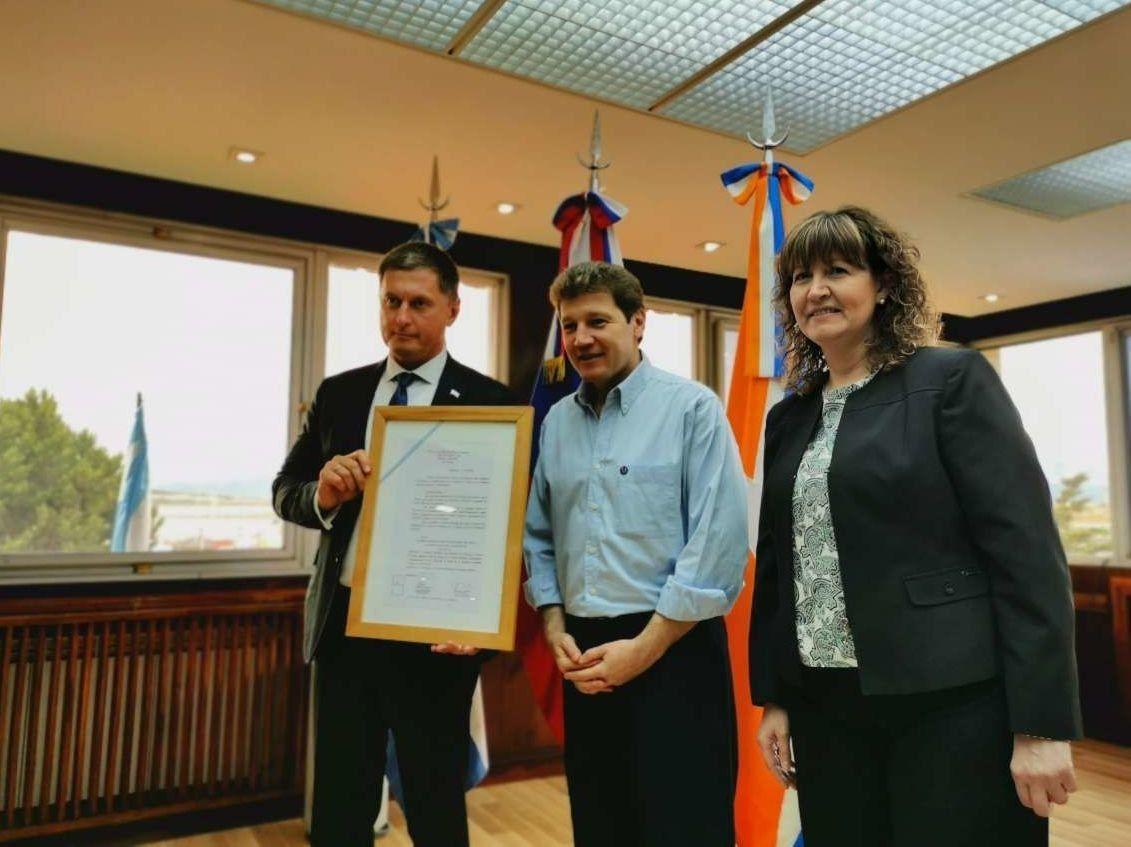 El embajador de la Federación de Rusia y el gobernador de Tierra del Fuego