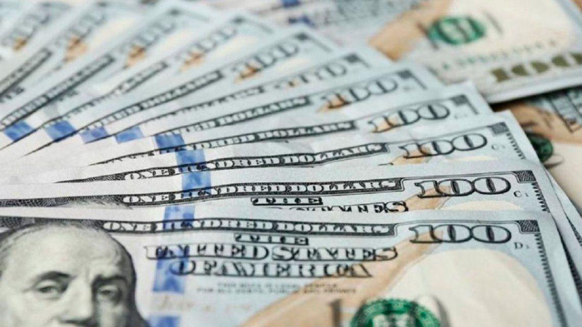 Coleros digitales: Inhabilitan a más de 4.500 personas para comprar dólares