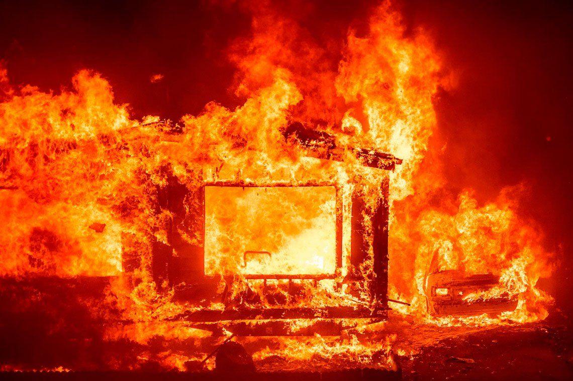 Dramáticas imágenes de los incendios forestales que afectan a California
