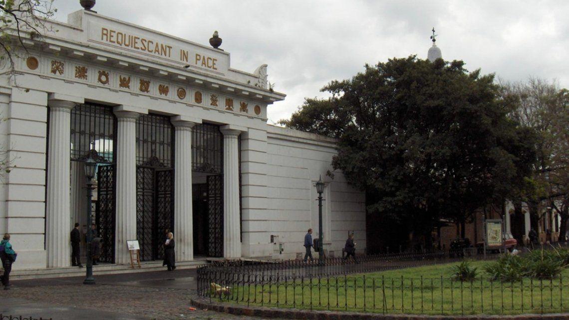 Habilitan en CABA cementerios y hoteles para fines no turísticos
