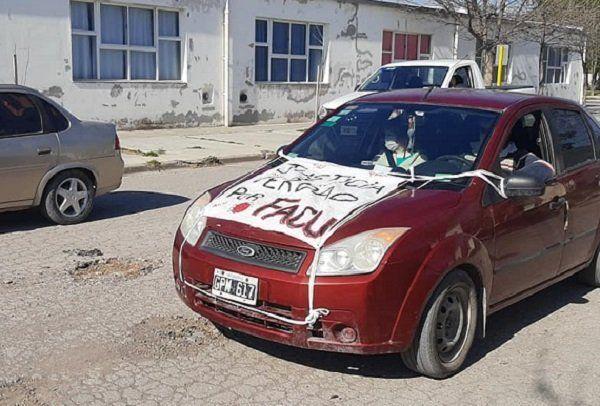 Vecinos realizaron bocinazo en Pedro Luro para exigir Verdad y Justicia