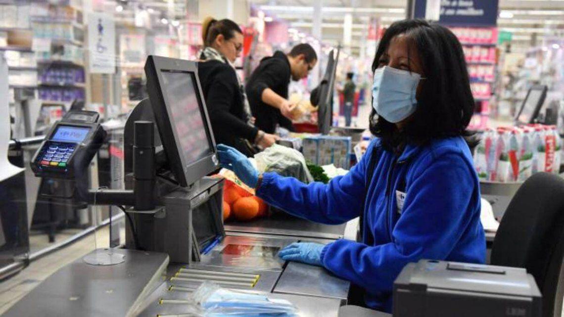 Cayeron las ventas en supermercados por primera vez en la pandemia