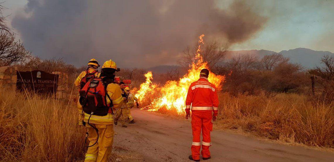 San Luis y Villa Carlos Paz con mucha impotencia y bronca por los incendios
