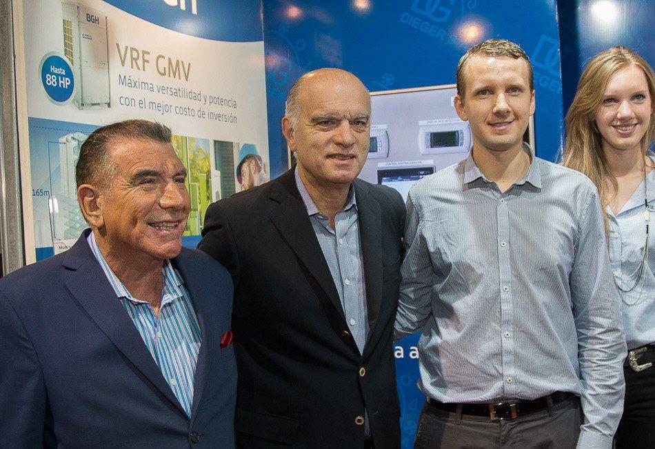 Oscar Jofré junto al intendente Néstor Grindetti en una de las muestras empresariales locales.