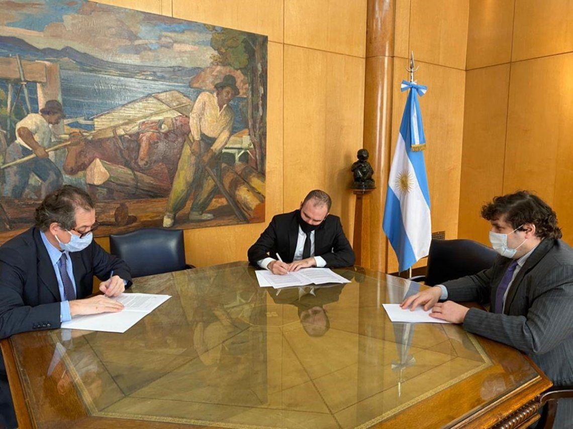 Tras el acuerdo con los bonistas, el gobierno le solicitó al FMI reabrir las negociaciones por un nuevo programa