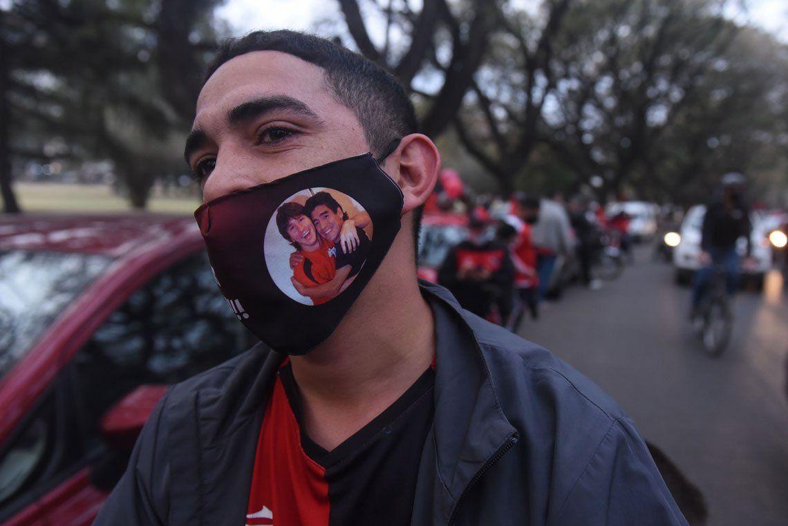 En fotos: la caravana de los hinchas de Newell´s pide por el regreso de Messi