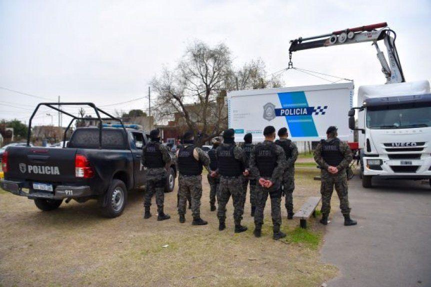 El personal destinado al lugar pertenece al grupo especial UTOI Unidad Táctica de Operaciones Inmediata.