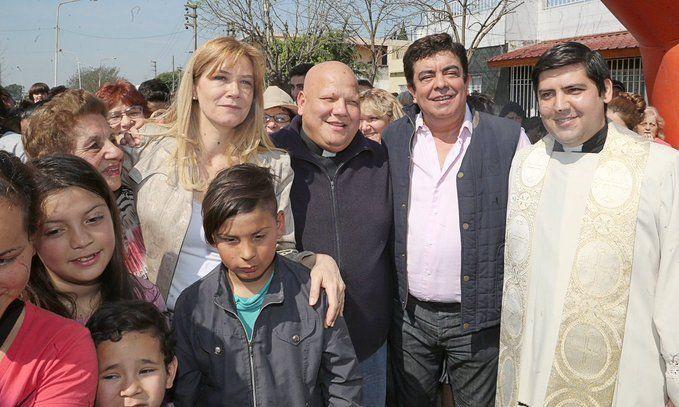 Espinoza declaró tres días de duelo por muerte del padre Bachi Britez