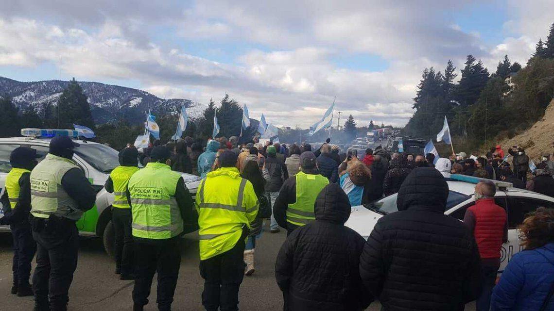 Seguridad denunció a quienes incitan a marchar con armas en Villa Mascardi