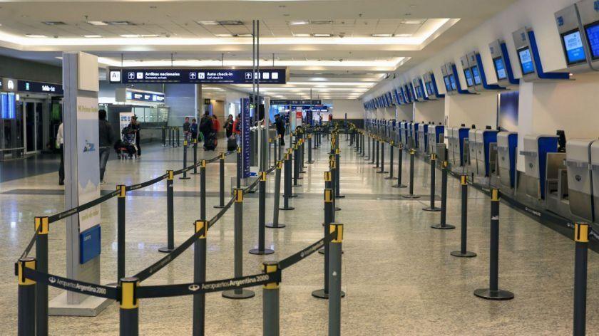 Los vuelos de cabotaje podrían volver en octubre, indicó Lammens