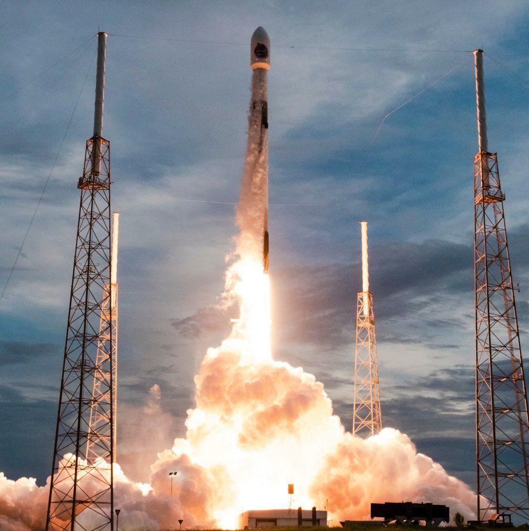 El despegue del satélite fue el domingo por la noche.