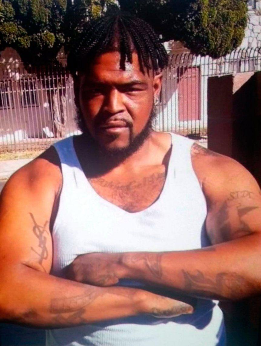Policías de Los Ángeles matan a tiros a afroamericano que viajaba en bicicleta