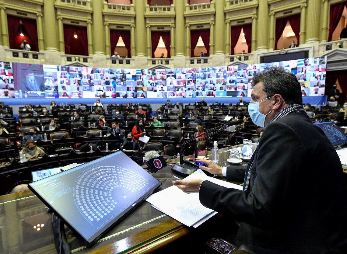 El Congreso exhibe la grieta en su momento de mayor esplendor