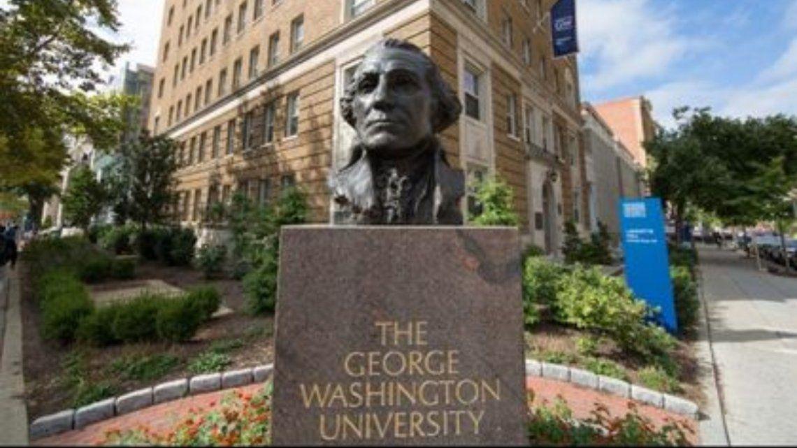 EEUU: suspenden a una profesora universitaria que fingió ser negra durante años