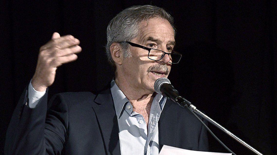 Felipe Solá sobre la quema de barbijos: Es primitivo y autodestructivo