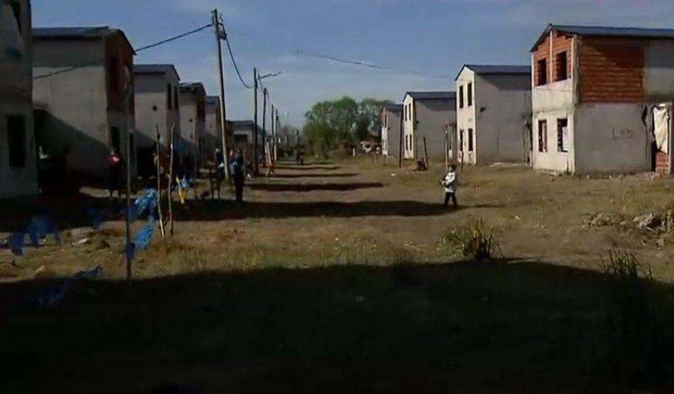 La Matanza: tomaron 350 casas destinadas a familias que viven cerca del Riachuelo