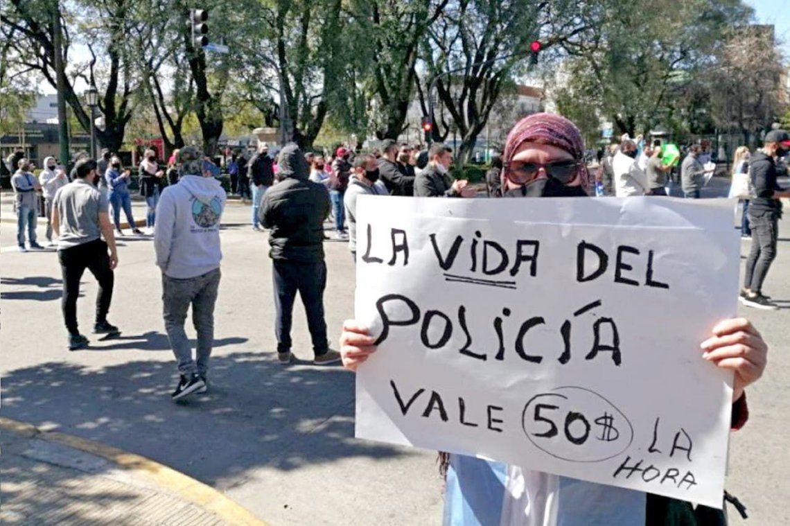 La Policía bonaerense realizó una retención de tareas para reclamar mejoras salariales