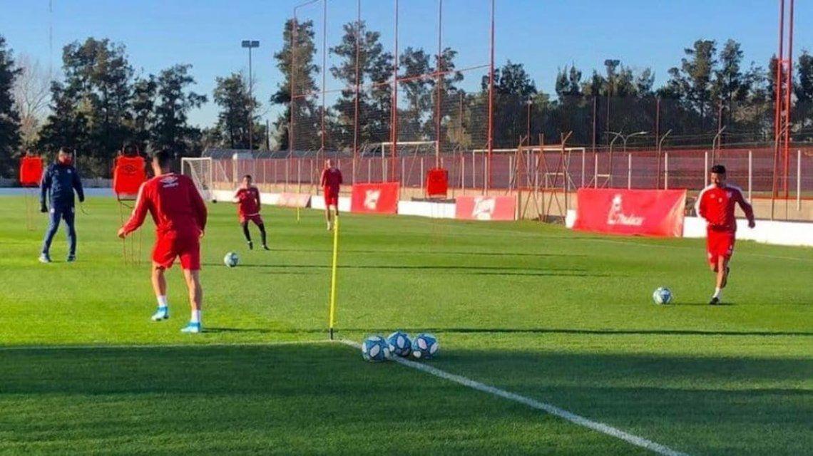 Argentinos Juniors paró los entrenamientos por 6 casos de Covid 19