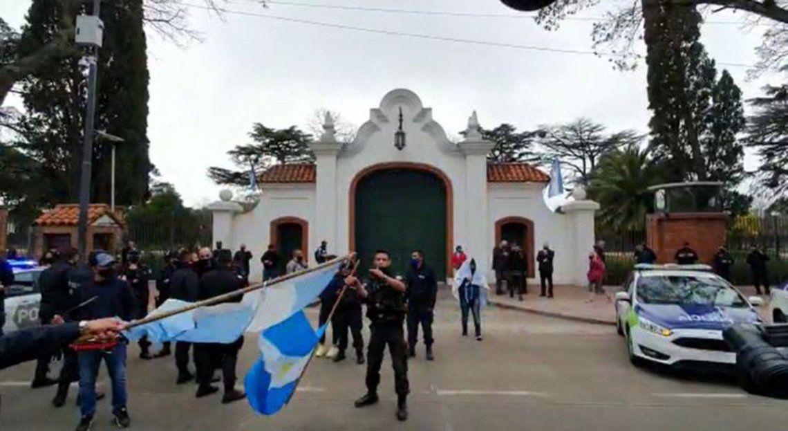 El reclamo de la policía bonaerense llegó a la Quinta Presidencial de Olivos: reclaman que se cumplan sus demandas