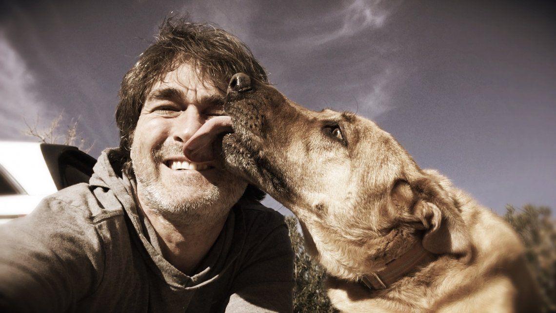 ¿Por qué te lame tu perro? 7 motivos que te sorprenderán