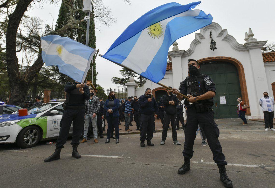 Tras los anuncios de mejora salarial, policías levantaron las medidas de protestas