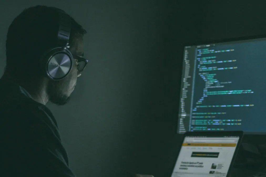 Ciberataque: se publicó la información robada a Migraciones