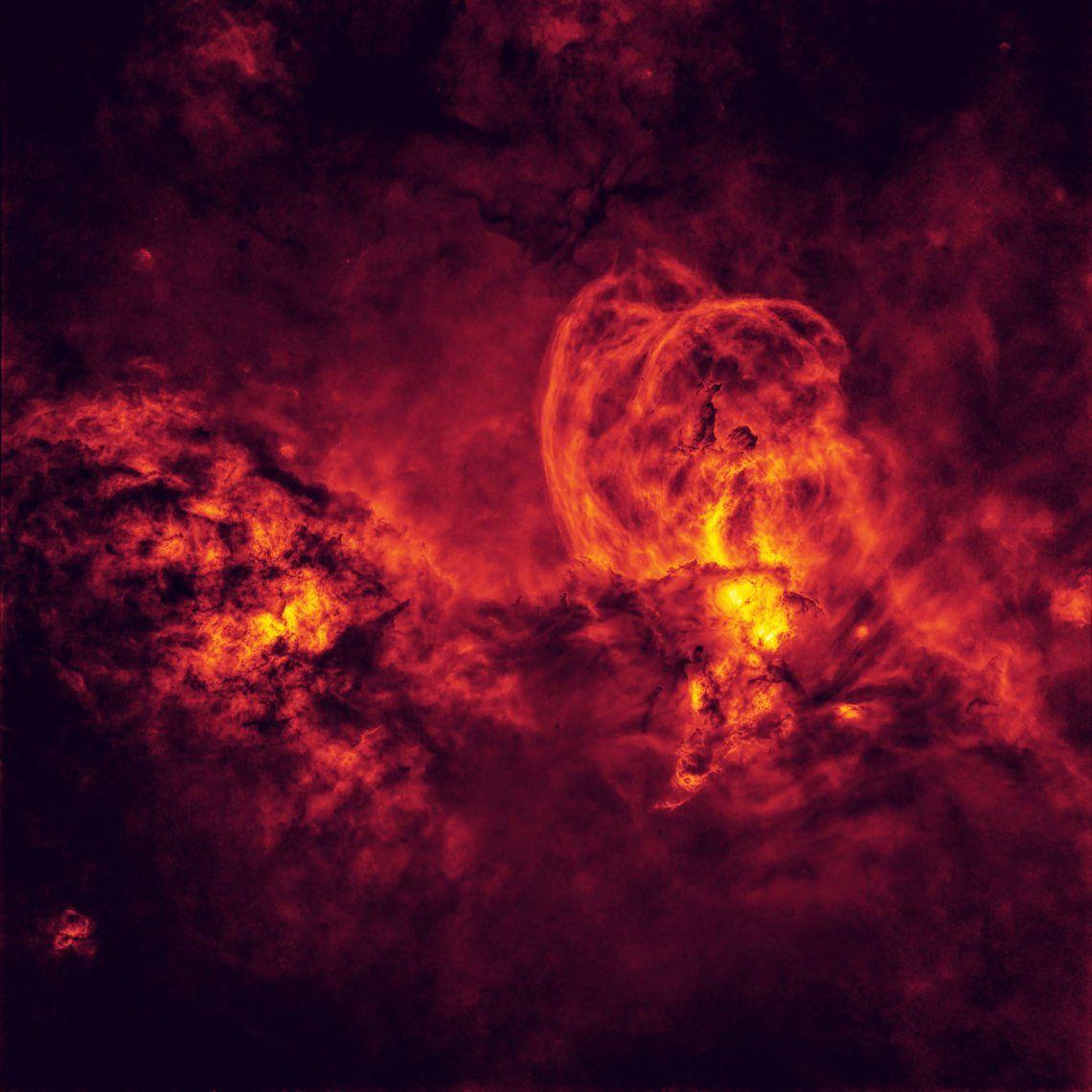 Ganador categoría estrellas y nebulosas: Cosmic Inferno de Peter Ward (Australia)