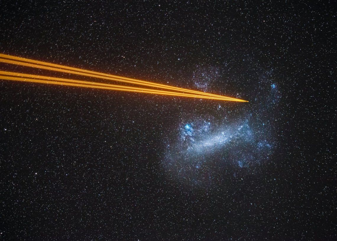 Mención especial galaxias: Ataque a la Gran Nube de Magallanes por Juan-Carlos Munoz-Mateos (España)