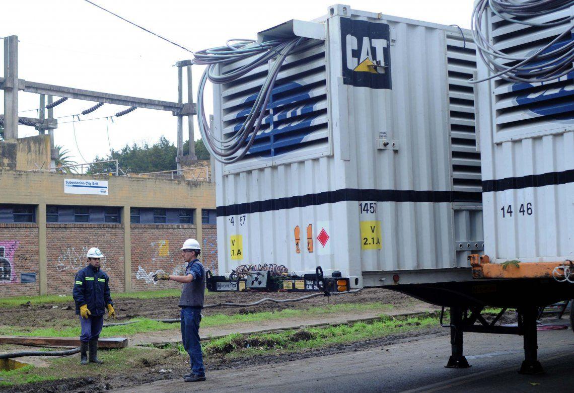 Los generadores suelen subsanar la falta de suministro pero ya se viene el verano.