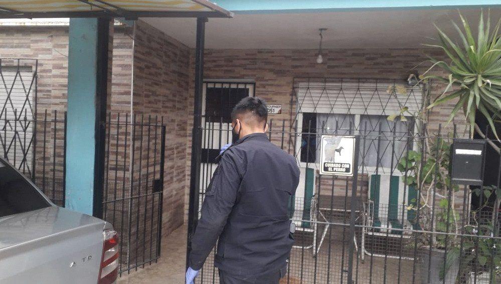 Investigan si el intento de la mujer de alojar en la casa a su hermano