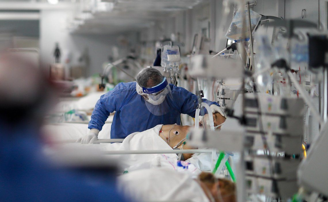 El crecimiento de los casos hace que la gente tema por un colapso en las camas de Terapia Intensiva.