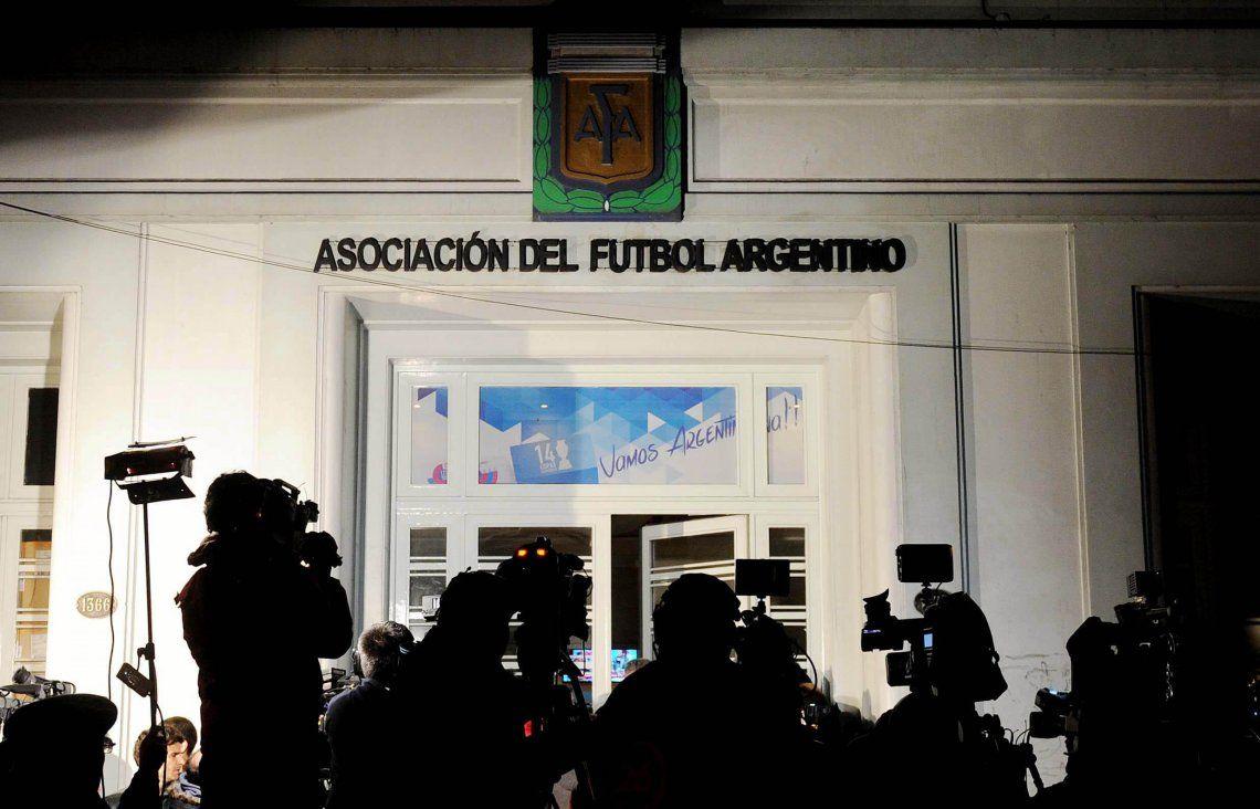 La AFA dio el visto bueno para jugar amistosos para los equipos de Primera División y el Nacional