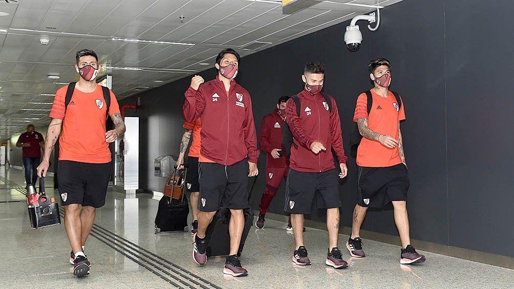 El plantel de River viajó a Lima con el equipo casi completo
