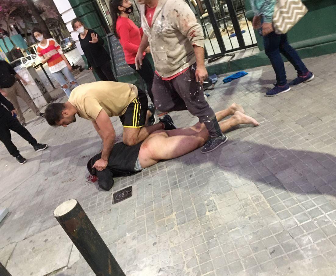 Rosario: desnudan y linchan a ladrón que atacó a una embarazada