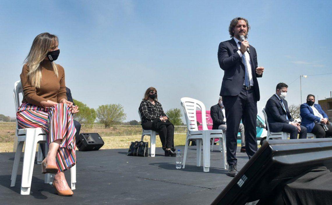 Cafiero encabezó el acto junto a la titular de AySA Malena Galmarini y el intendente de Merlo Gustavo Menéndez.