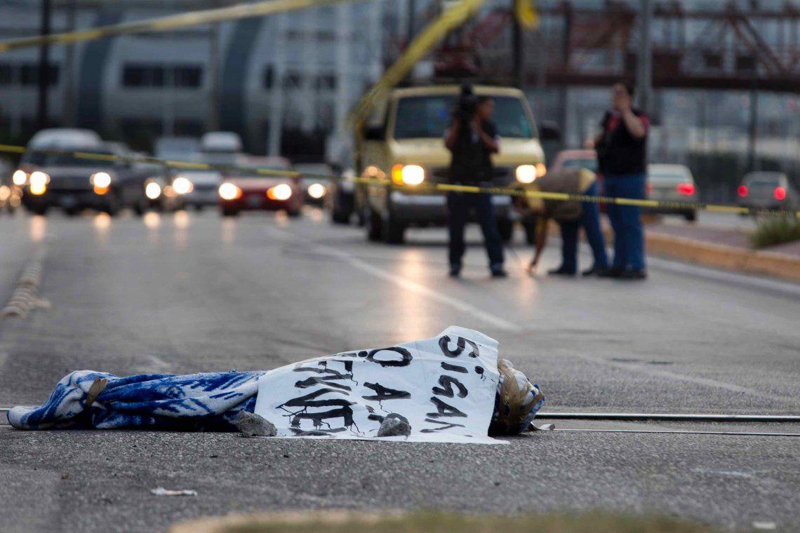 Consecuencias de la guerra narco en México: miles de cuerpos amontonados en las morgues y sin identificar