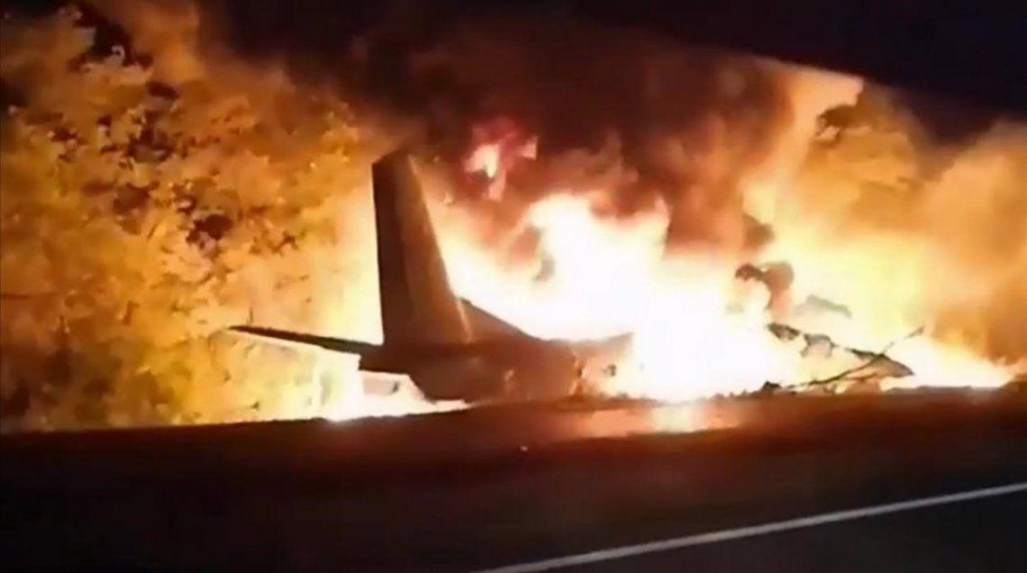 Ucrania: 26 muertos al estrellarse un avión militar
