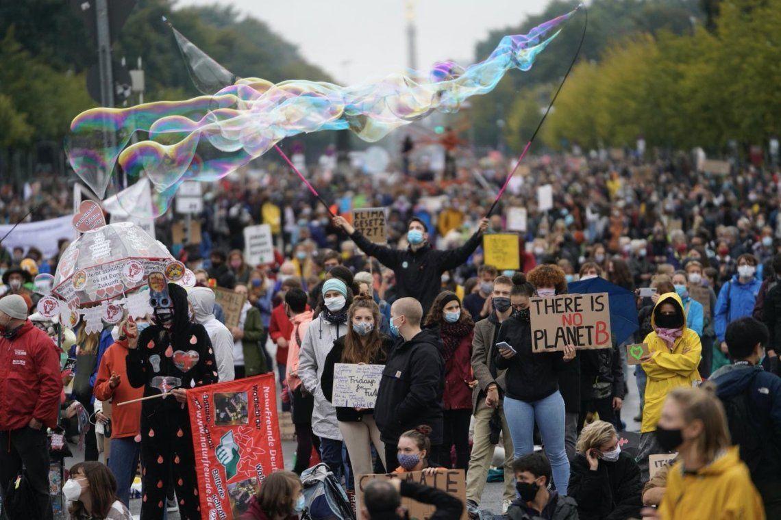 Ciudadanos de distintos países marcharon contra el cambio climático