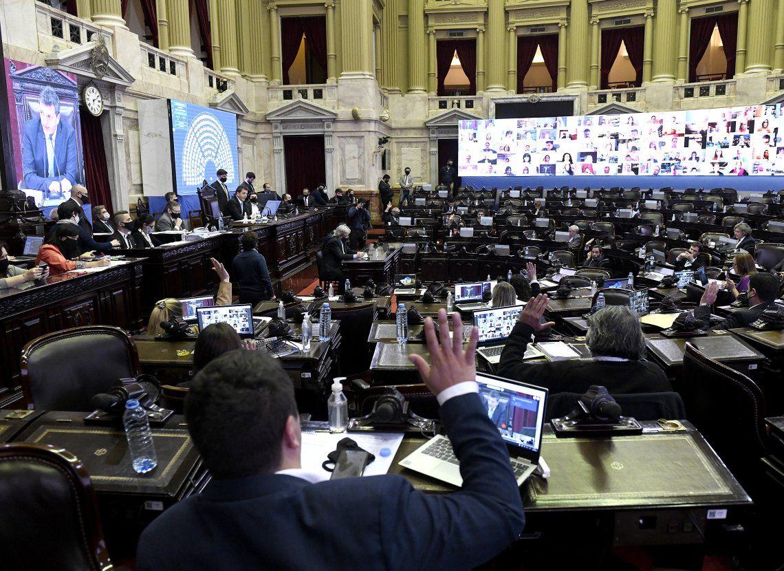 El despacho tiene garantizados 129 votos.