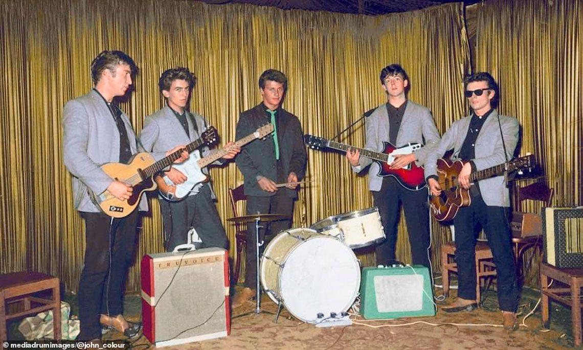 Fab Five: artista colorea fotos de los inicios The Beatles sin Ringo y con Pete Best