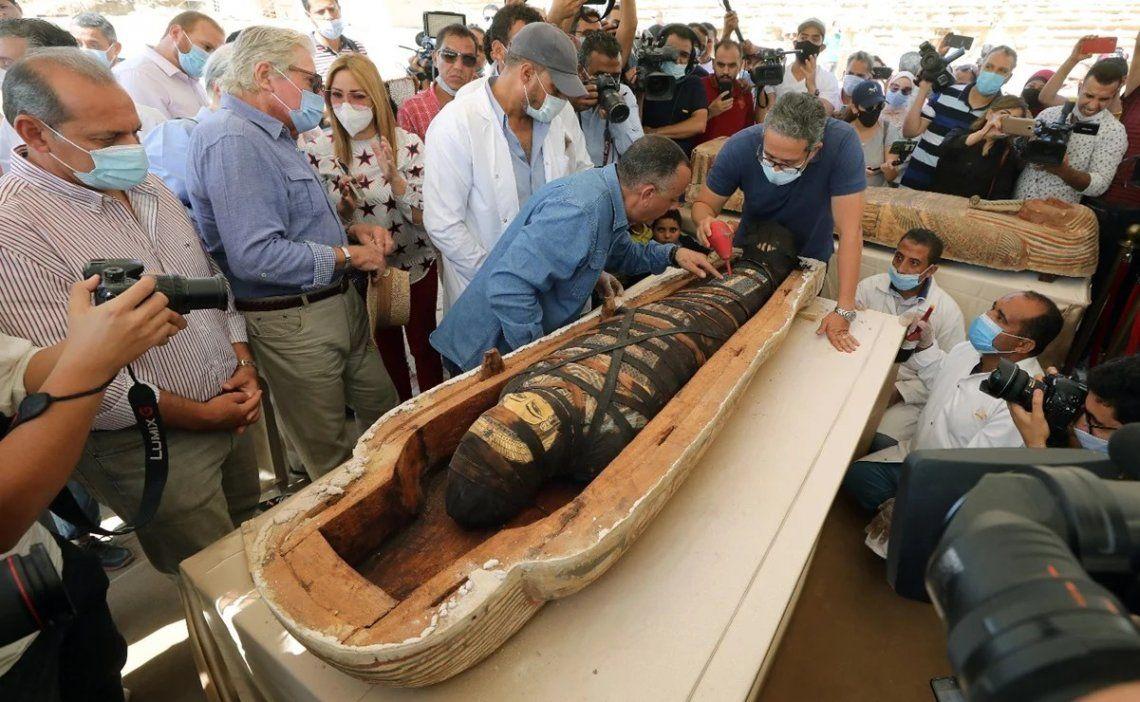Egipto: hallan 59 sarcófagos intactos con momias de más de 2.600 años