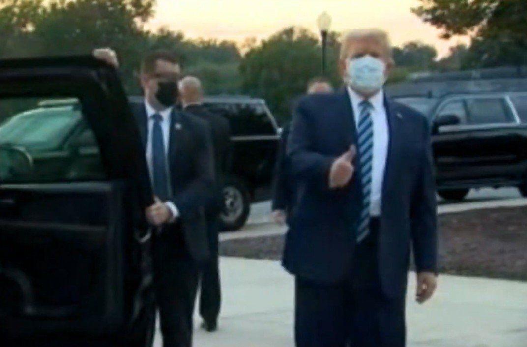 Trump dejó esta tarde del hospital militar tras ser positivo de coronavirus: Me siento muy bien, que no los asuste el Covid