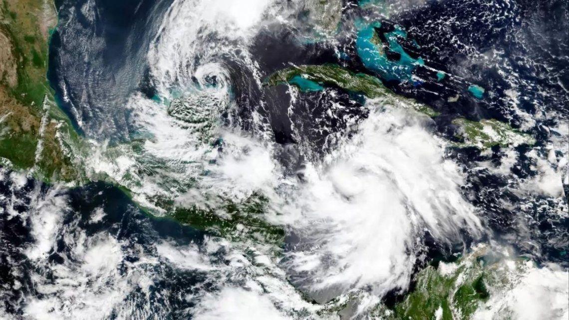 Alerta en México: el huracán Delta alcanzó la categoría 4 y se acerca a la península de Yucatán