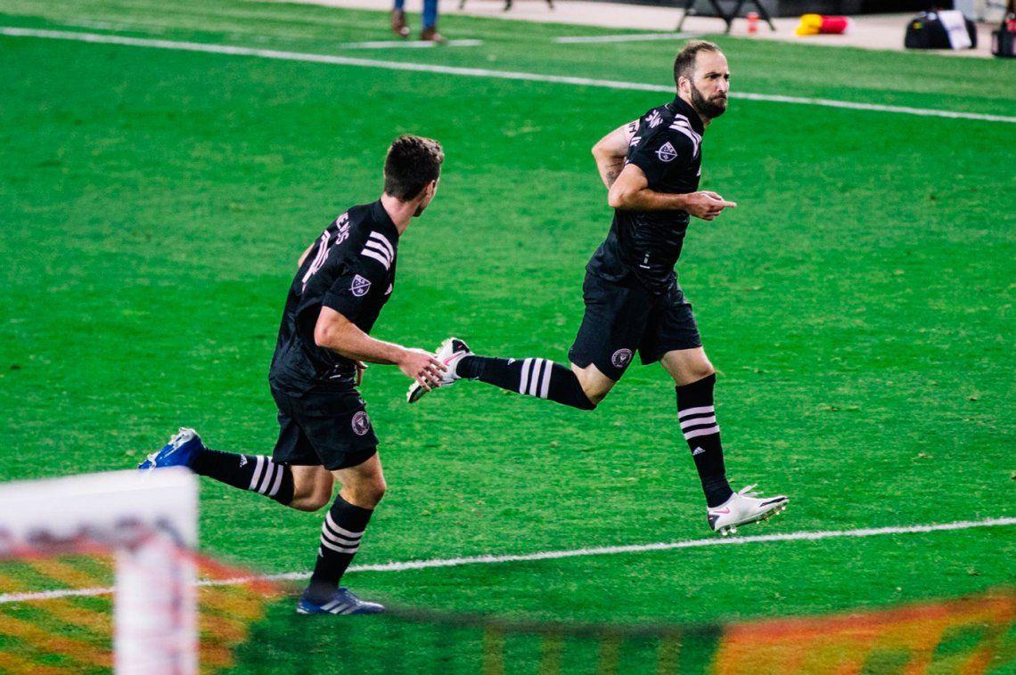 Gonzalo Higuaín metió su primer gol en la MLS