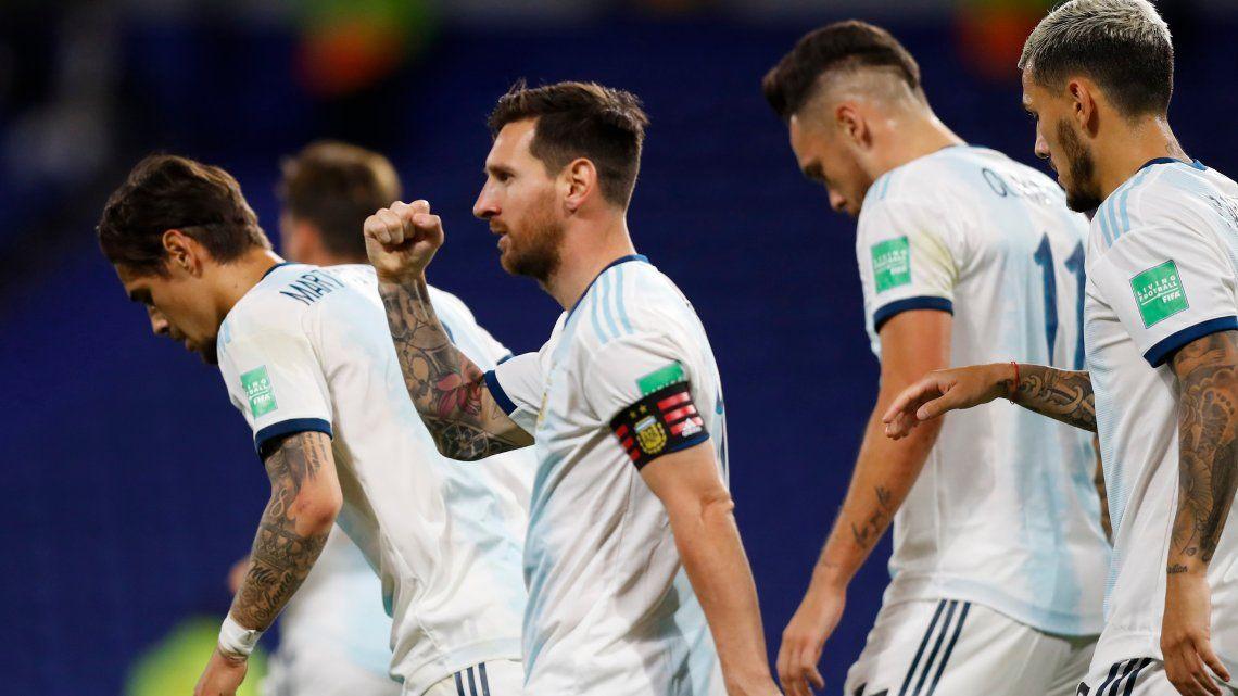 Con un gol de penal de Messi
